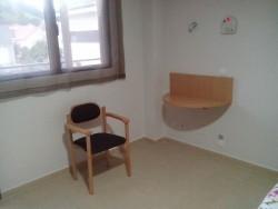 Silla con Respaldo Curvo   Perfecta para habitación o espacio común   Hotel, residencia, clínica, hogar   Diresa Device - FedBuy